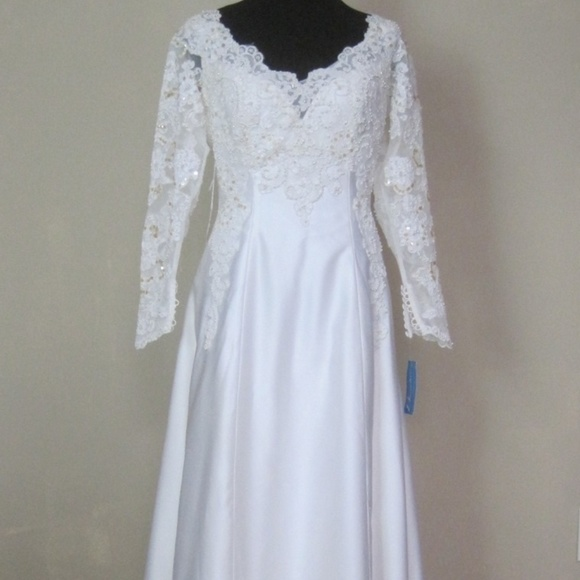 The House of Bianchi Dresses   Wedding Gown A Line Dress New   Poshmark